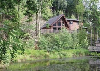 Niagra Lodge