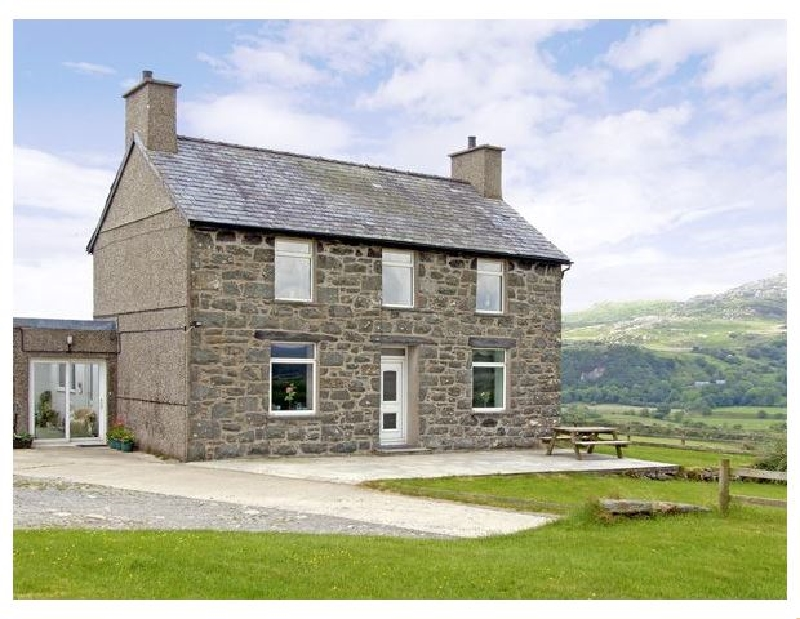Self Catering Cottage Holidays at Ymwlch Bach Farmhouse