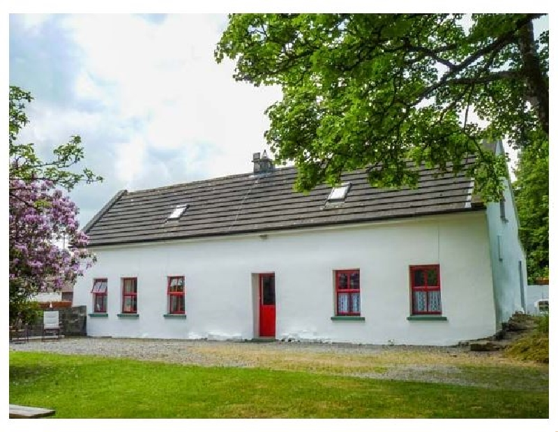Click here for more about Lough Graney Cottage