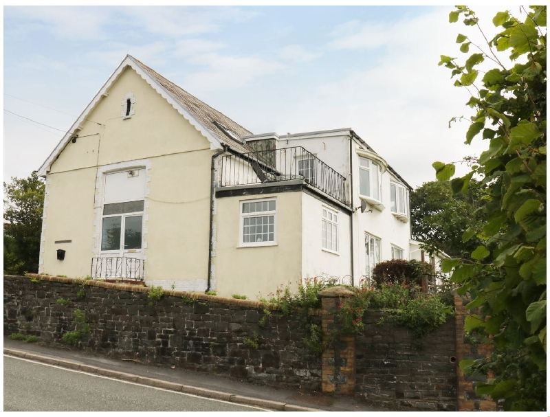 Self Catering Cottage Holidays at School House