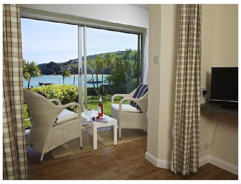 Self Catering Cottage Holidays at 7 The Salcombe