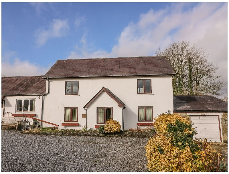 Self Catering Cottage Holidays at Y Frenni Fawr