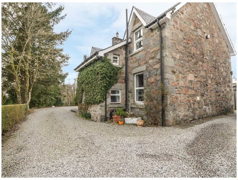 Self Catering Cottage Holidays at The Knowe Upper